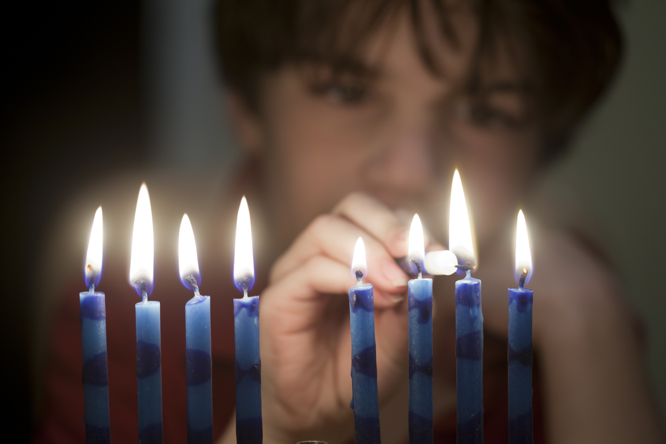 How do you wish someone a happy Hanukkah in Hebrew?
