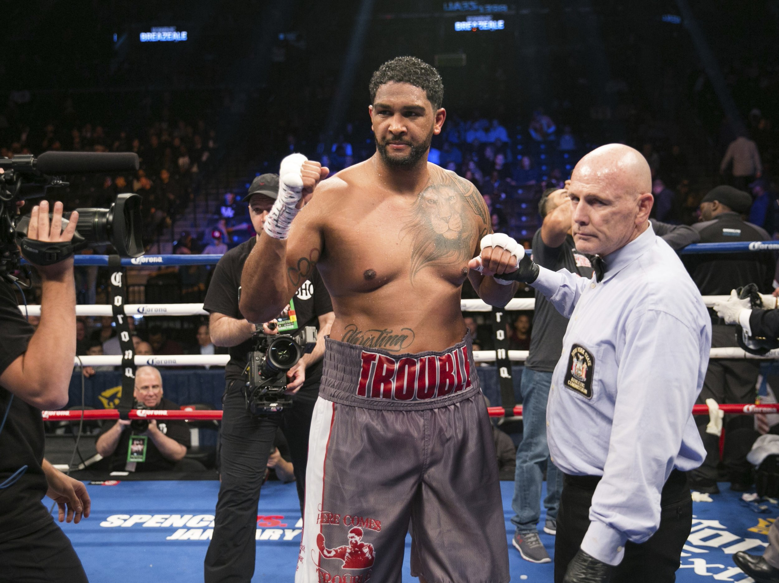 Dominic Breazeale stops Eric Molina to become WBC mandatory challenger to Deontay Wilder