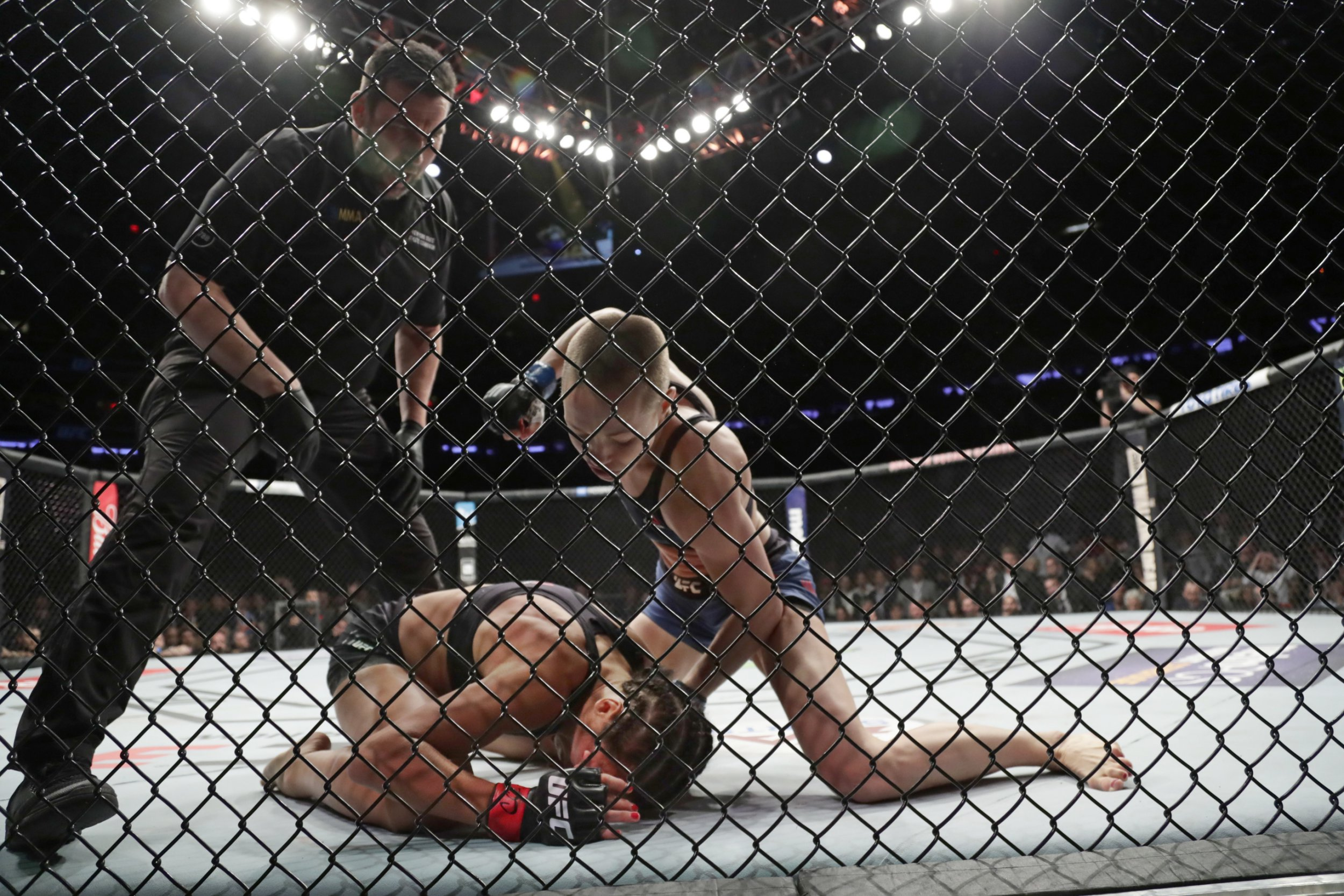 Joanna Jedrzejczyk denies tapping out to Rose Namajunas in UFC 217 loss