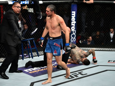 Brian Ortega submits Cub Swanson with powerful standing guillotine at UFC Fight Night 123