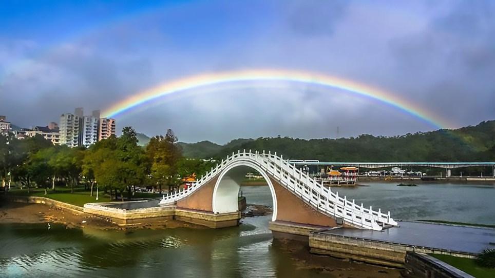 Record breaking rainbow