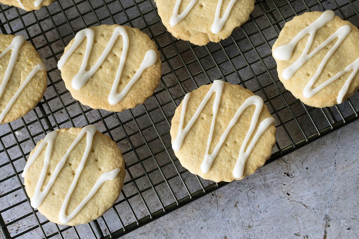 vegan lemon shortbread biscuits