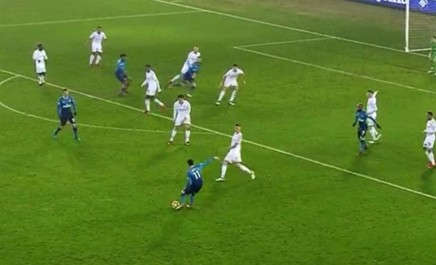 Mesut Ozil shows unreal vision to find Nacho Monreal for Arsenal goal at Swansea