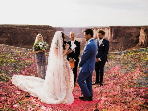 Incredible photos show couple getting married 400ft above the desert