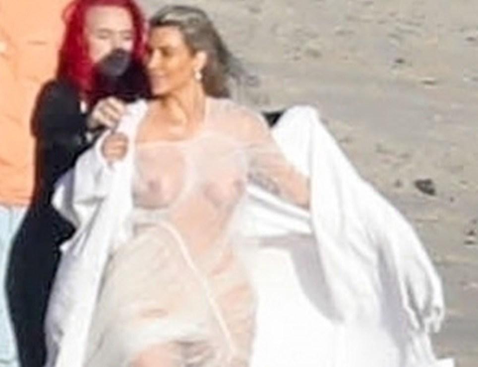 Kim Kardashian Nude Sheer Dress In Beach Photo Shoot Metro News