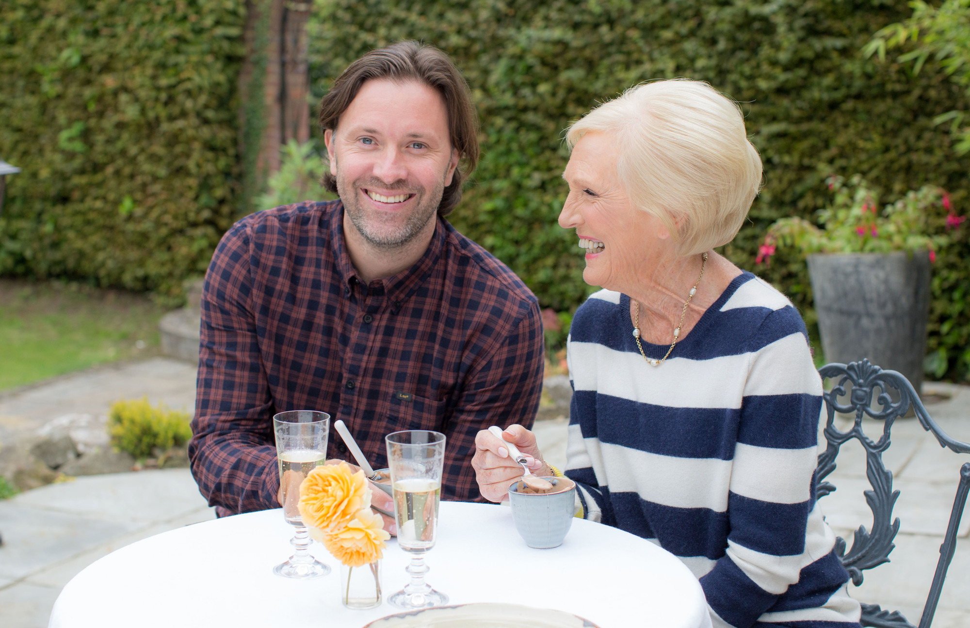 Mary Berry gets her flirt on with Swedish chef in new BBC series
