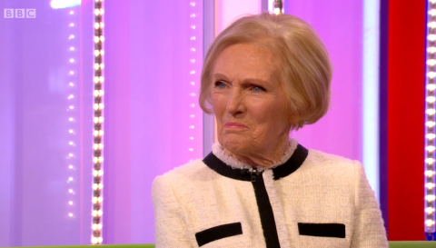 Mary Berry cheekily answers questions about Tinder: 'I don't know what a dating app is'