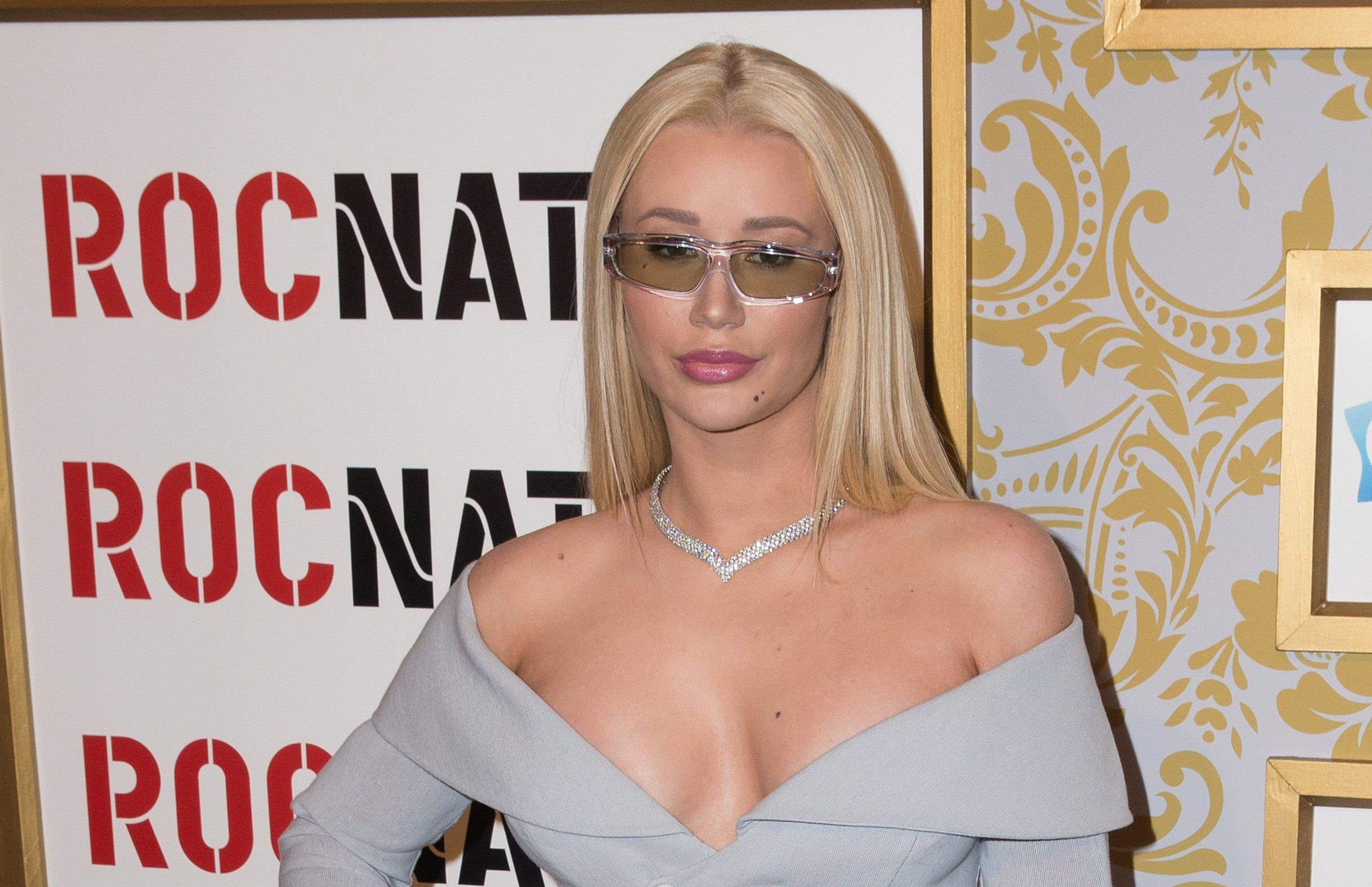 Iggy Azalea stands by advice of giving 'a card and p***y' for Valentine's Day