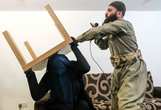 Imam allows himself to be filmed carrying out a Muslim