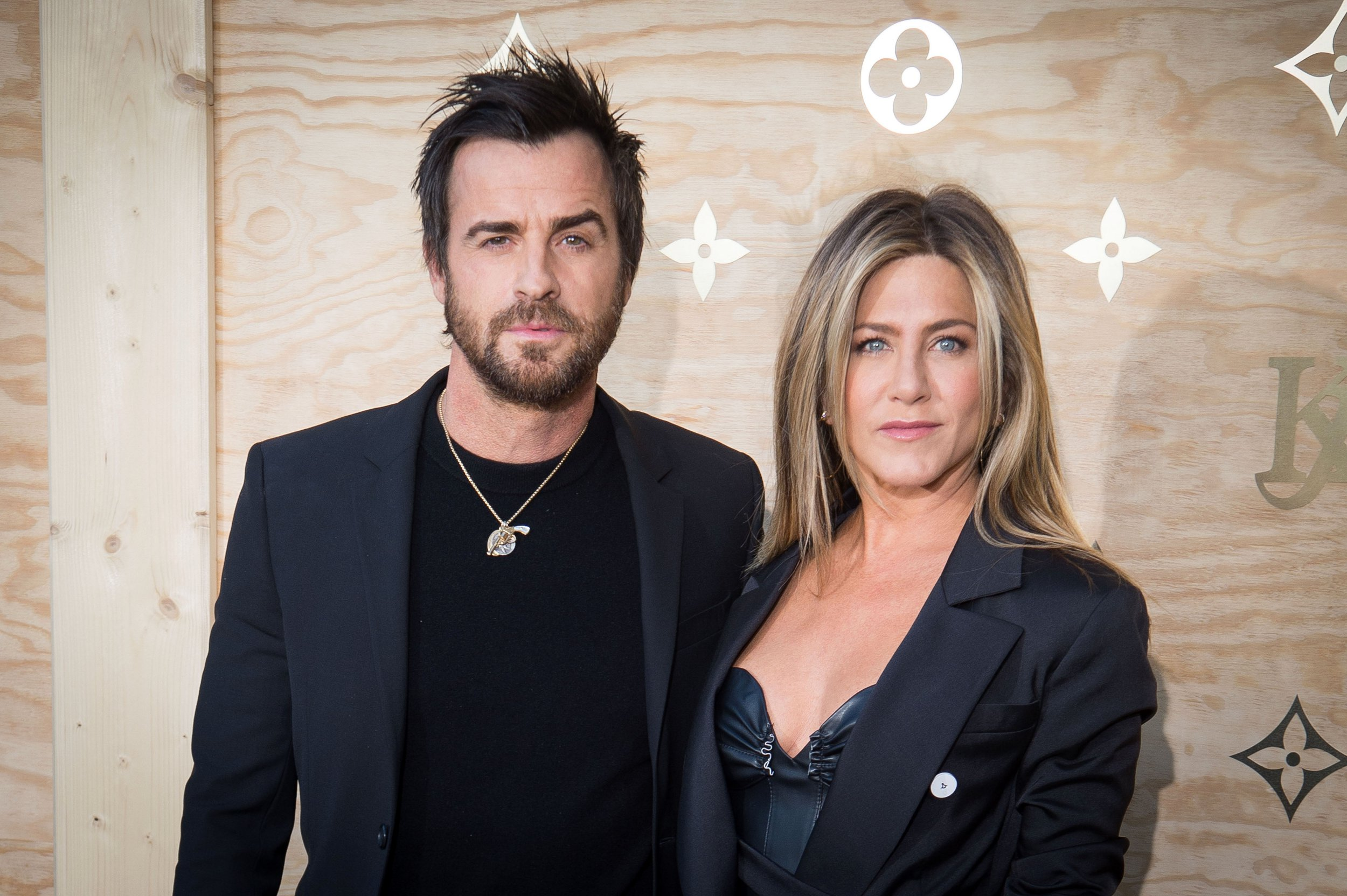 Is Jennifer Aniston ready to mingle as Justin Theroux starts 'dating again'?