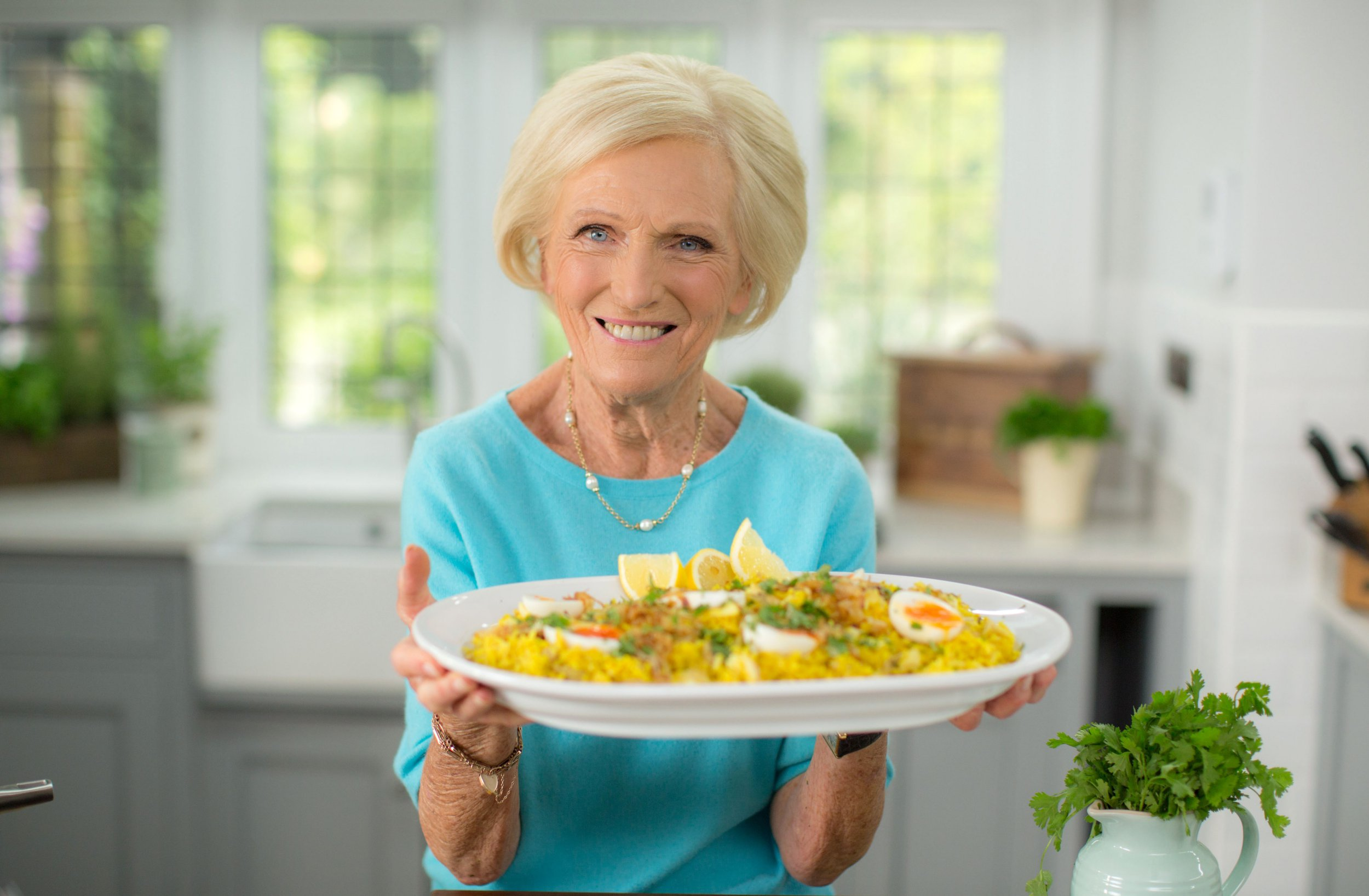 Mary Berry arrested at airport because she had 'flour and sugar in little plastic bags'
