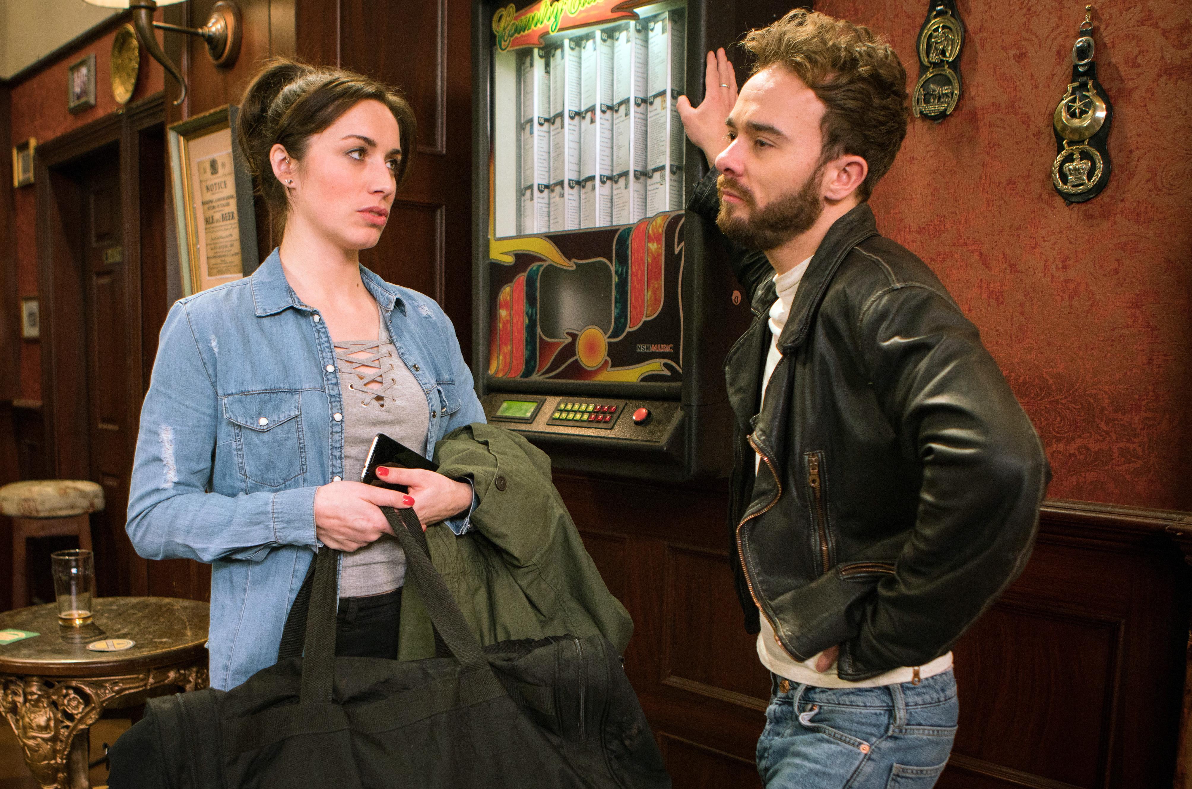 David dumps Shona in Coronation Street