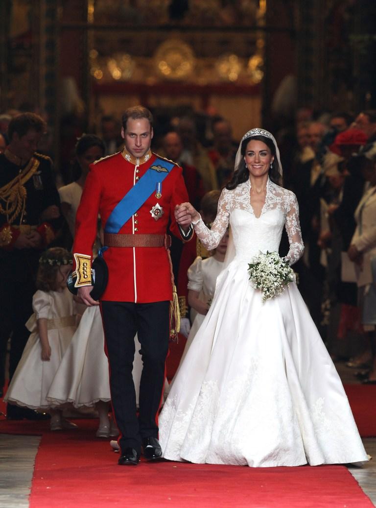 Royal Wedding Cost.The Royal Wedding Dress Cost Raveitsafe