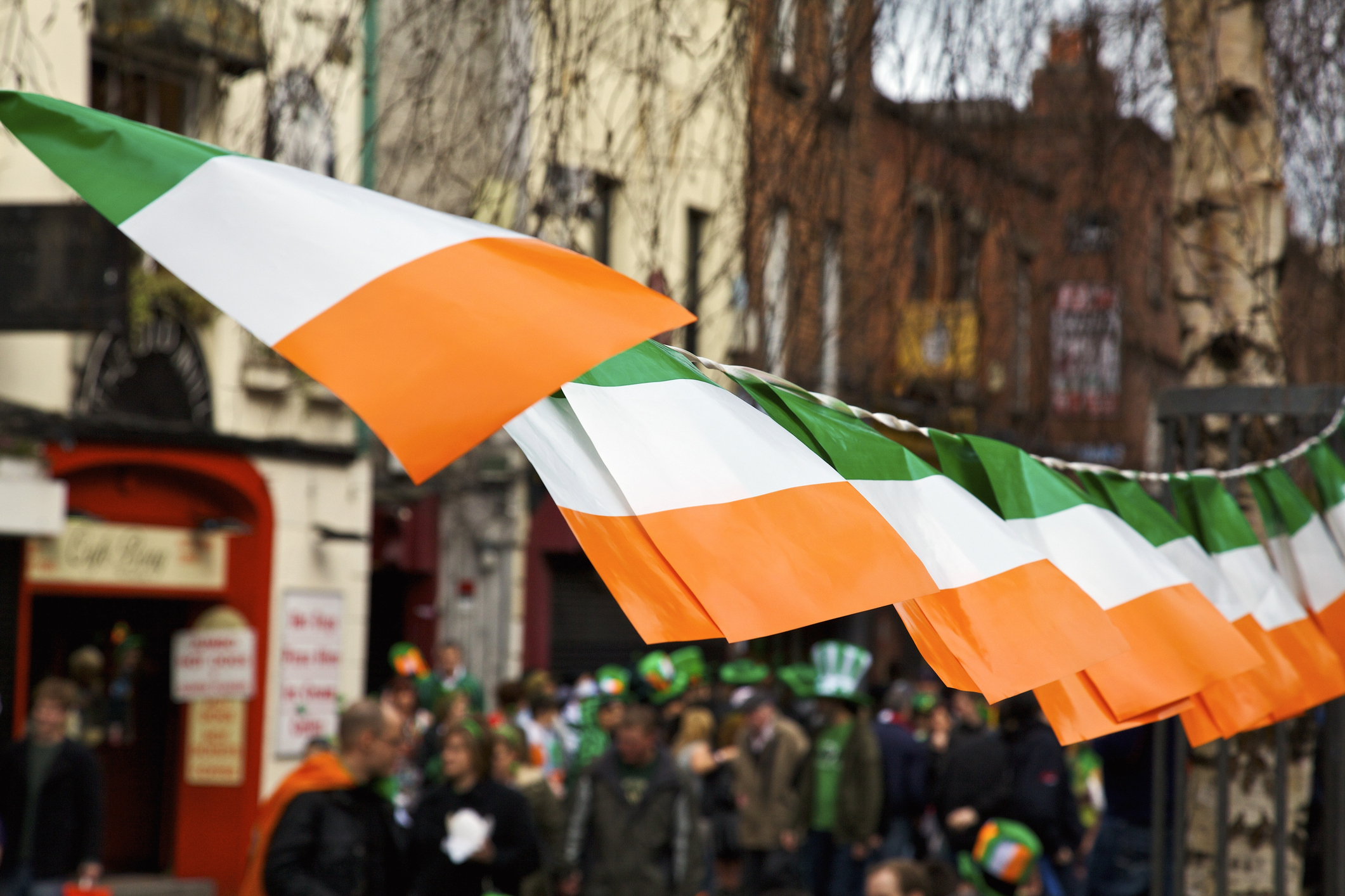 Why do Ireland have two national anthems?