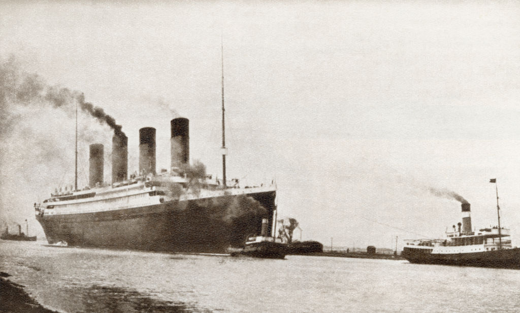 When did the Titanic sink, how many people died on it and other facts