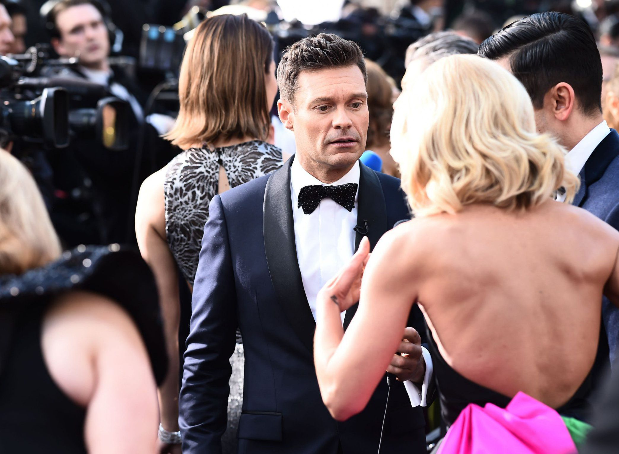 Ryan Seacrest only secures two celeb interviews in first hour of Oscars red carpet coverage