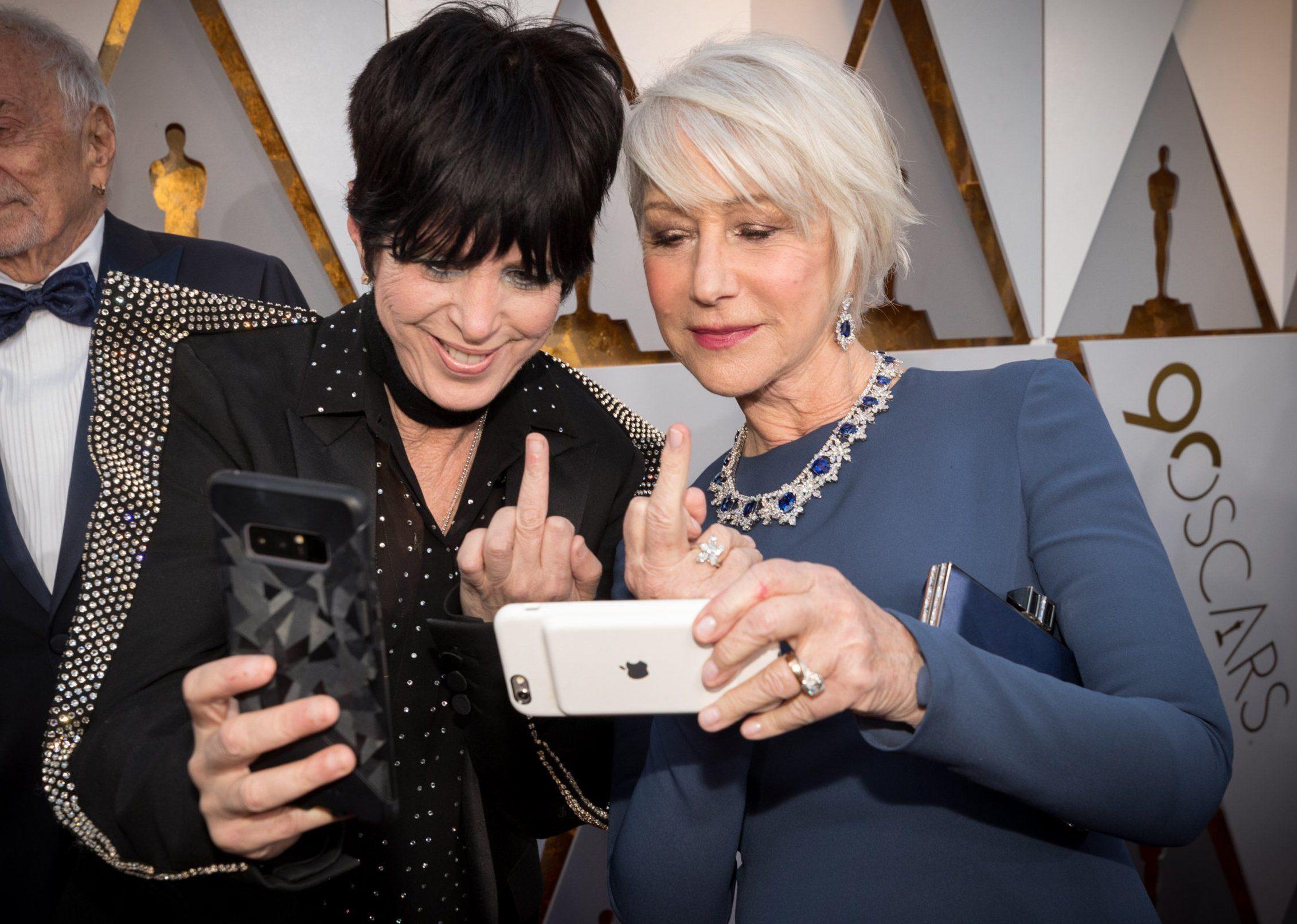 Helen Mirren flips the bird in badass Oscars selfie with Diane Warren