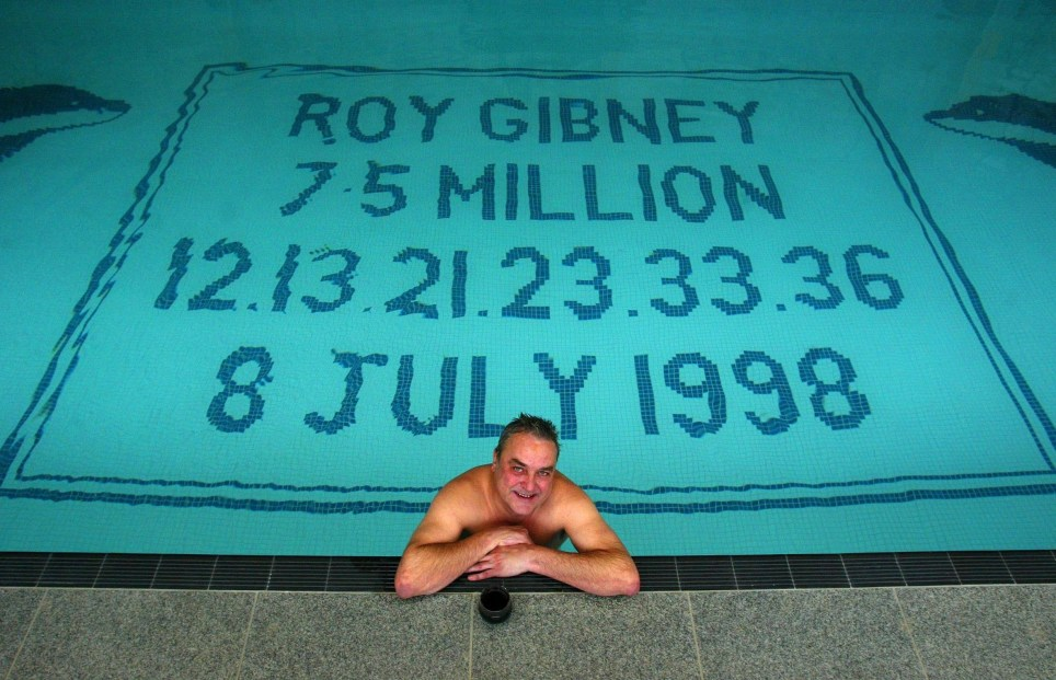 GRIMSBY 1998 LOTTERY WINNER (?7.5M) ROY GIBNEY, PICTURED AT HOME IN GRIMSBY
