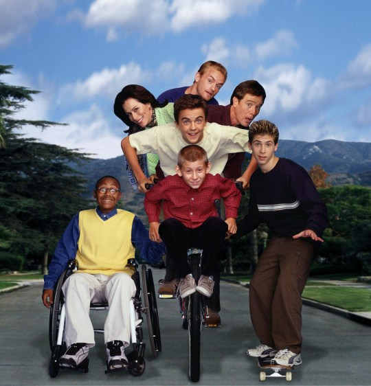 """Television programme """"Malcom In The Middle"""" Year 3 Clockwise from Top:Christopher Kennedy Masterson as Francis, Bryan Cranston as Hal, Justin Berfield as Reese, Erik Per Sullivan as Dewey, Craig Lamar Traylor as Stevie, Jane Kaczmarek as Lois and Frankie Muniz as Malcolm Fox TV. All rights reserved. for Sky One publicity only"""