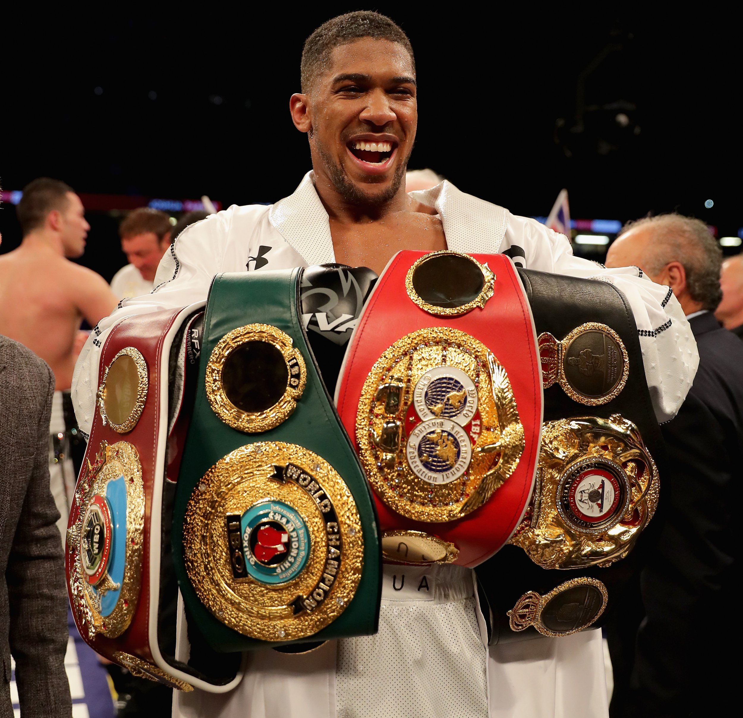 Anthony Joshua challenges Deontay Wilder to face him in battle for undisputed heavyweight king