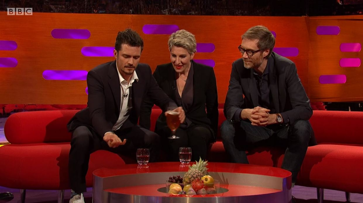 Orlando Bloom saves a fly's life from Stephen Merchant's beer on Graham Norton