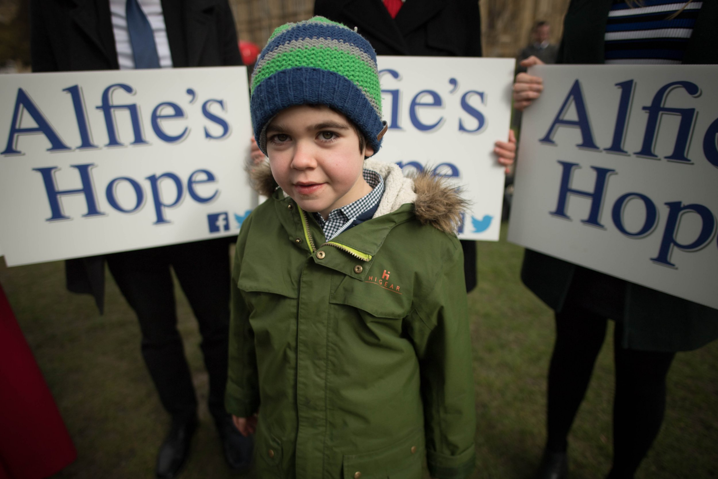 Six-year-old Alfie Dingley with supporters in Westminster, London, before handing in a 380,000-strong petition to Number 10 Downing Street asking for him to be given medicinal cannabis to treat his epilepsy. PRESS ASSOCIATION Photo. Picture date: Tuesday March 20, 2018. Alfie suffers from a rare condition and can have up to 150 potentially life-threatening seizures a month. See PA story HEALTH Cannabis. Photo credit should read: Stefan Rousseau/PA Wire