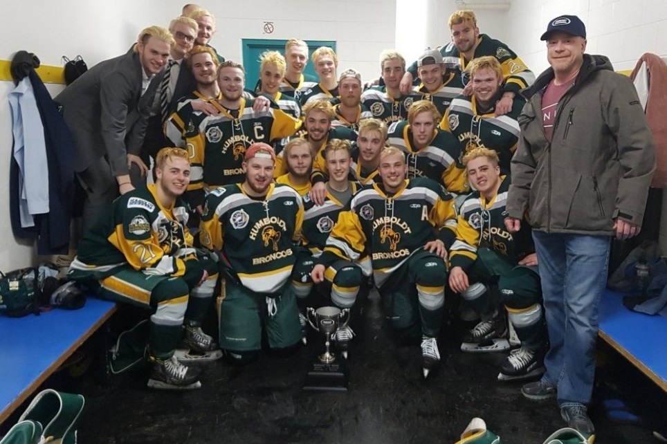 14 Dead After Bus Carrying Junior Hockey Team Crashes On Way To