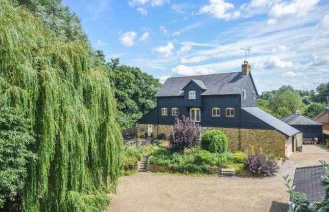 6 bedroom detached house for sale Ermine Street, Thundridge, Hertfordshire, SG12