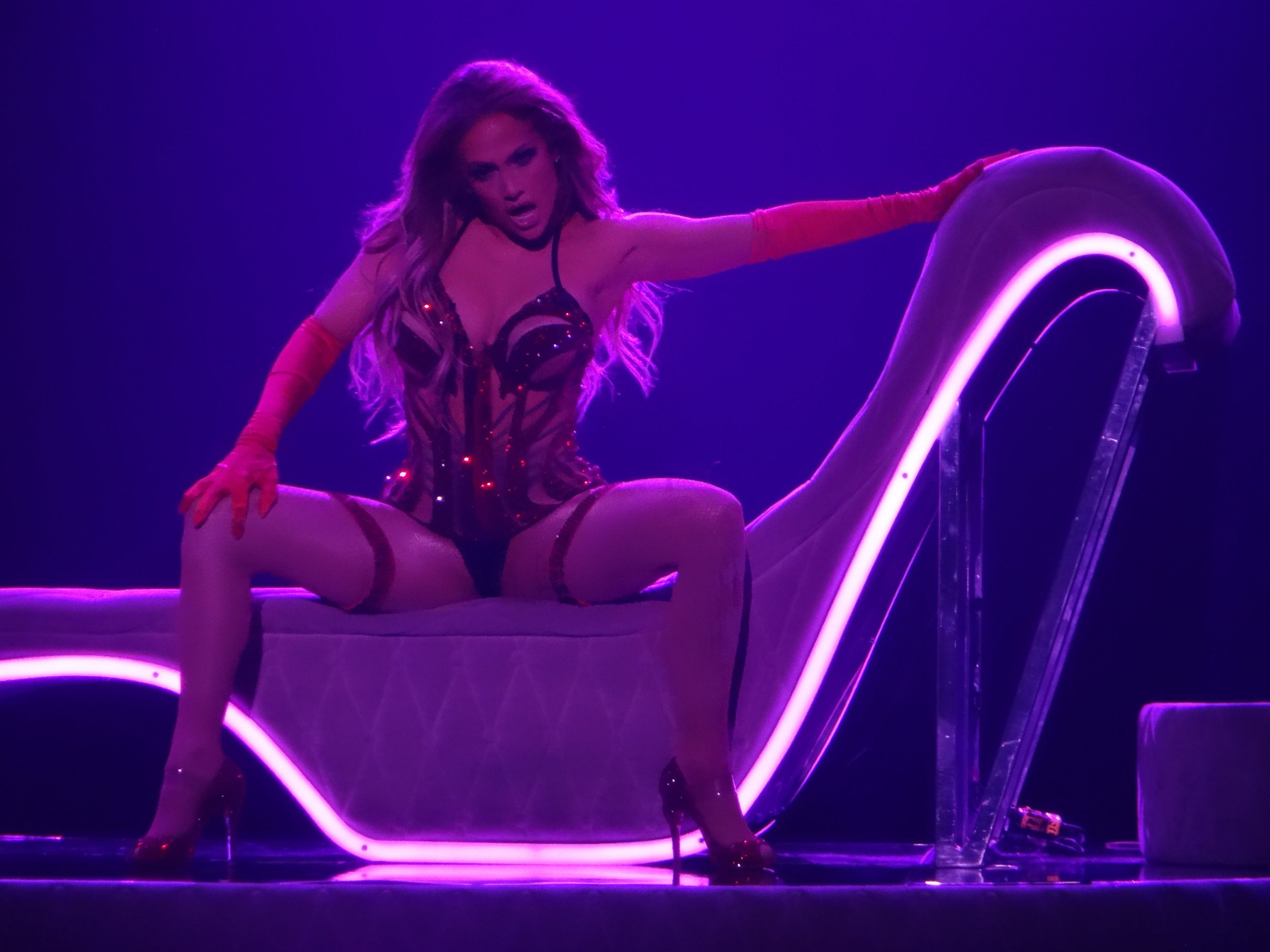 PREMIUM EXCLUSIVE Please contact X17 before any use of these exclusive photos - x17@x17agency.com Jennifer Lopez striking in Las Vegas , sexier than ever for her new show in Sin City April 20, 2018 /X17online.com