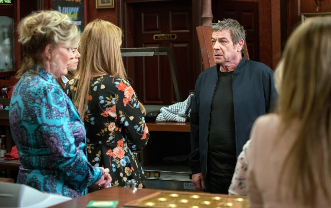 Johnny wages war against Eva in Coronation Street
