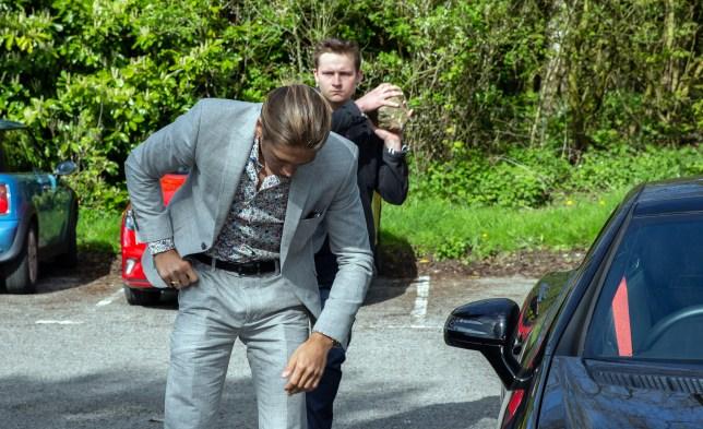 Lachlan prepares to kill Freddy in Emmerdale