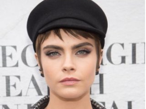 Cara Delevingne doesn't think Rita Ora should apologise for bisexual track Girls: 'She did nothing wrong'