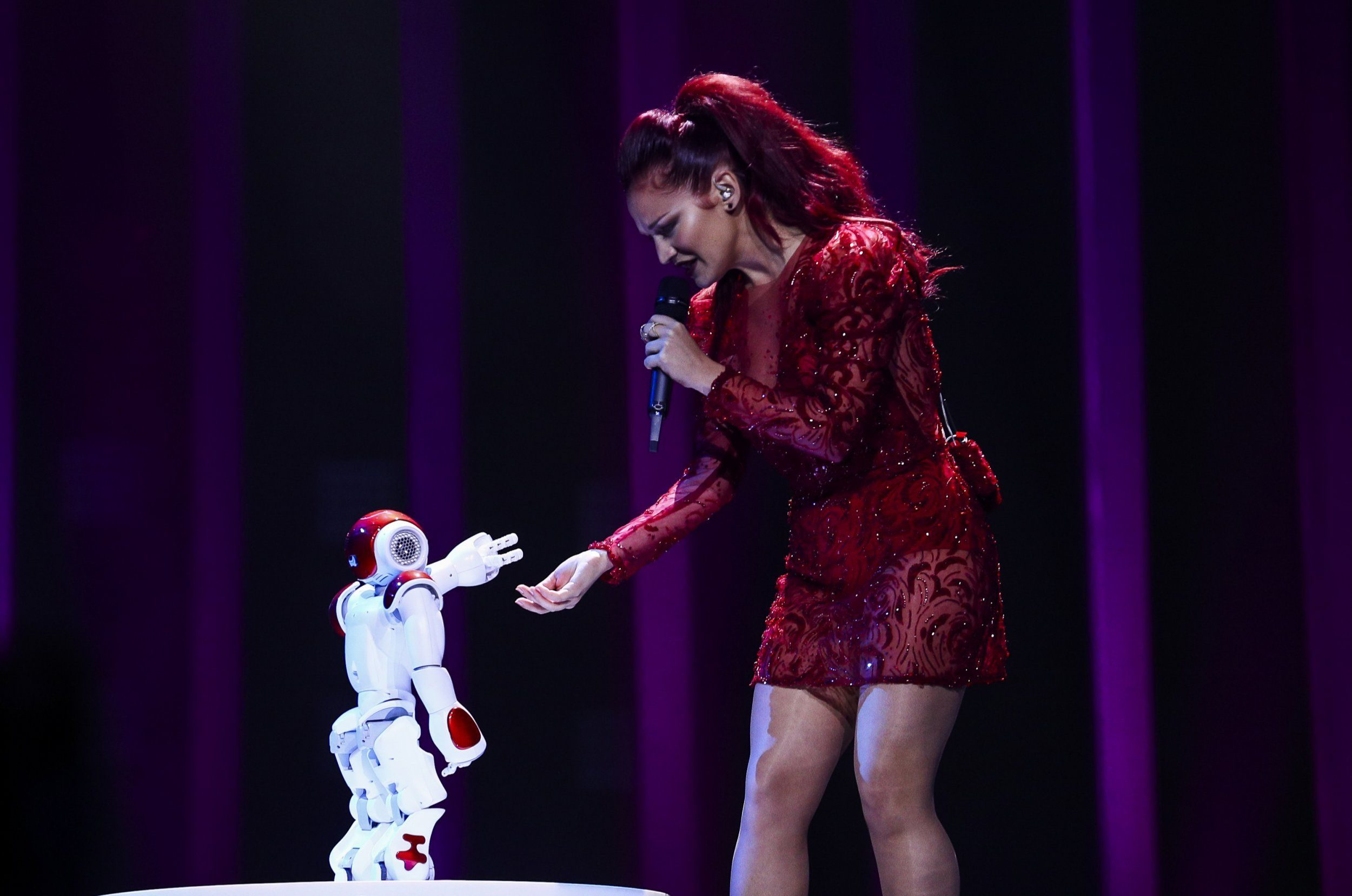 Robots, glitches and a savage Scott Mills: What went down in the second Eurovision semi-final