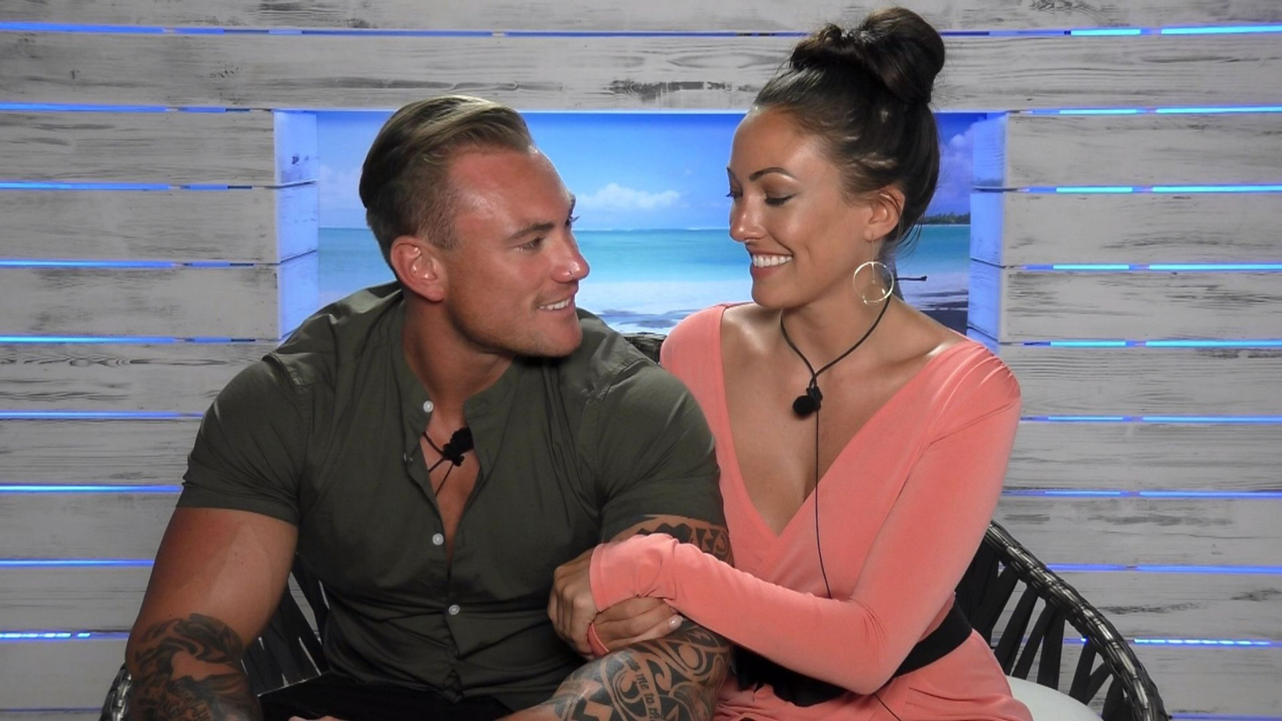 Editorial Use Only. No merchandising Mandatory Credit: Photo by ITV/REX/Shutterstock (5768897q) Tom Powell and Sophie Gradon back together 'Love Island', Series 2 TV show, Episode 32, Mallorca, Spain - 2016