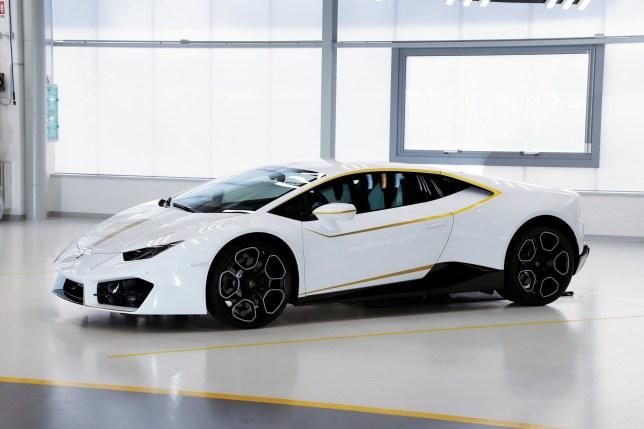 The Pope Has Sold His 198mph Lamborghini For 615 000 Metro News