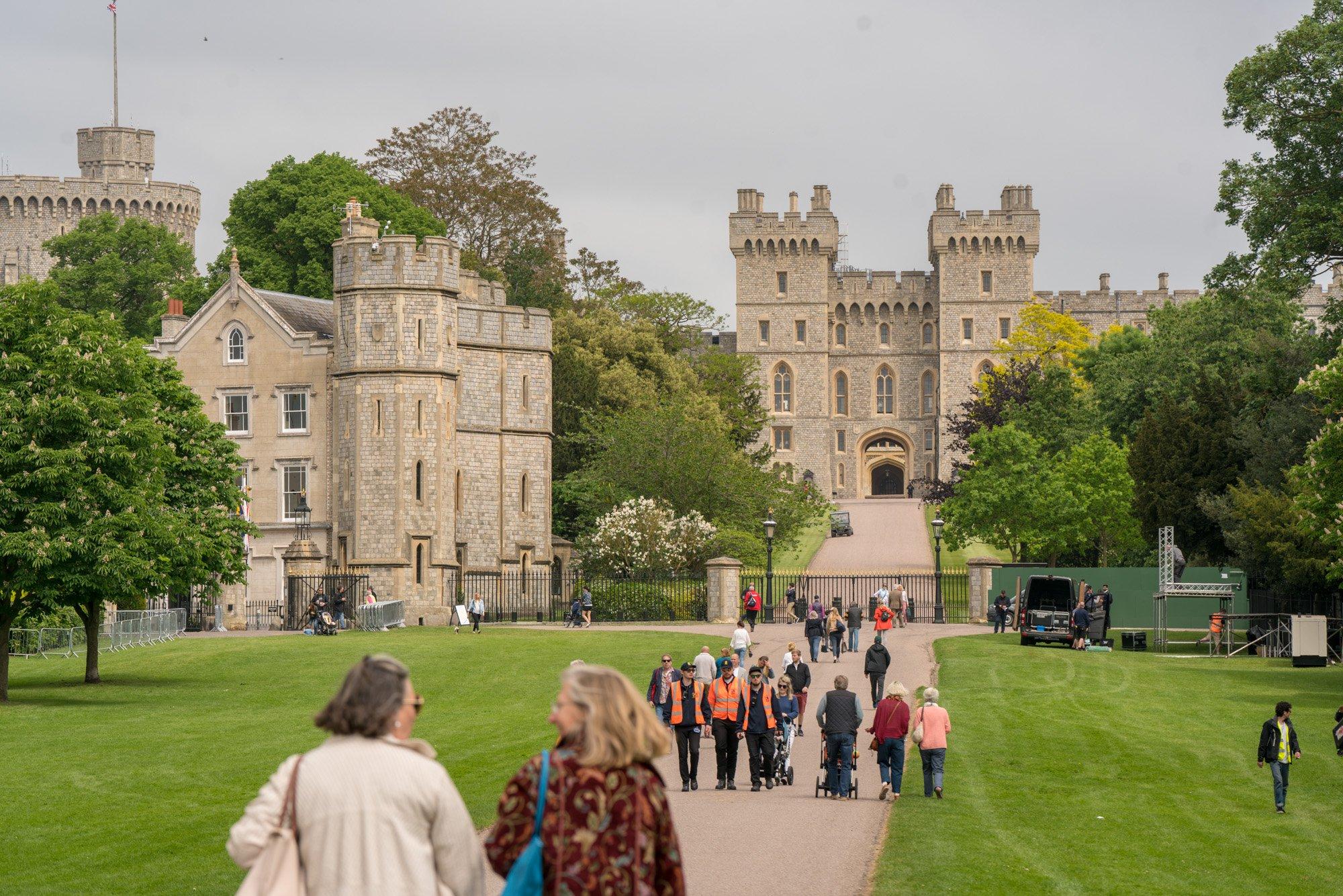 Who lives in Windsor castle?