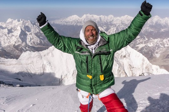 TV's Ben Fogle manages to climb Everest following Vic Pendleton abandoning climb METRO GRAB taken from: https://twitter.com/Benfogle Credit: Twitter/Ben Fogle