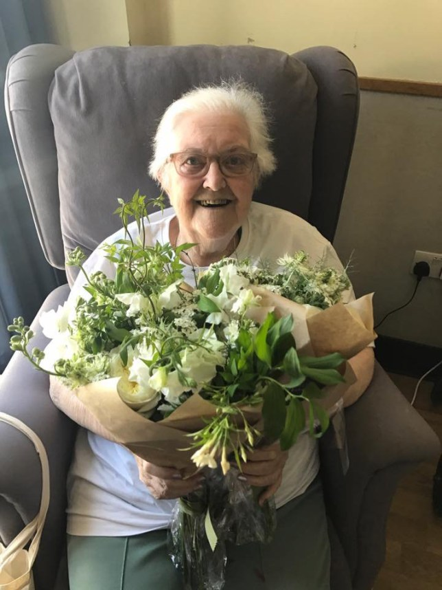 Harry and Meghan gave their wedding flowers to hospice patients METRO GRAB taken from: https://www.facebook.com/StJoHospice/?hc_ref=ARSbyTseWFGQ--vvYoRXop2hDdX55JYSrZtiUmuDaj-QYkYYzS1o2iz06bzRgnr_L9E&fref=nf Credit: St John's Hospice/Facebook