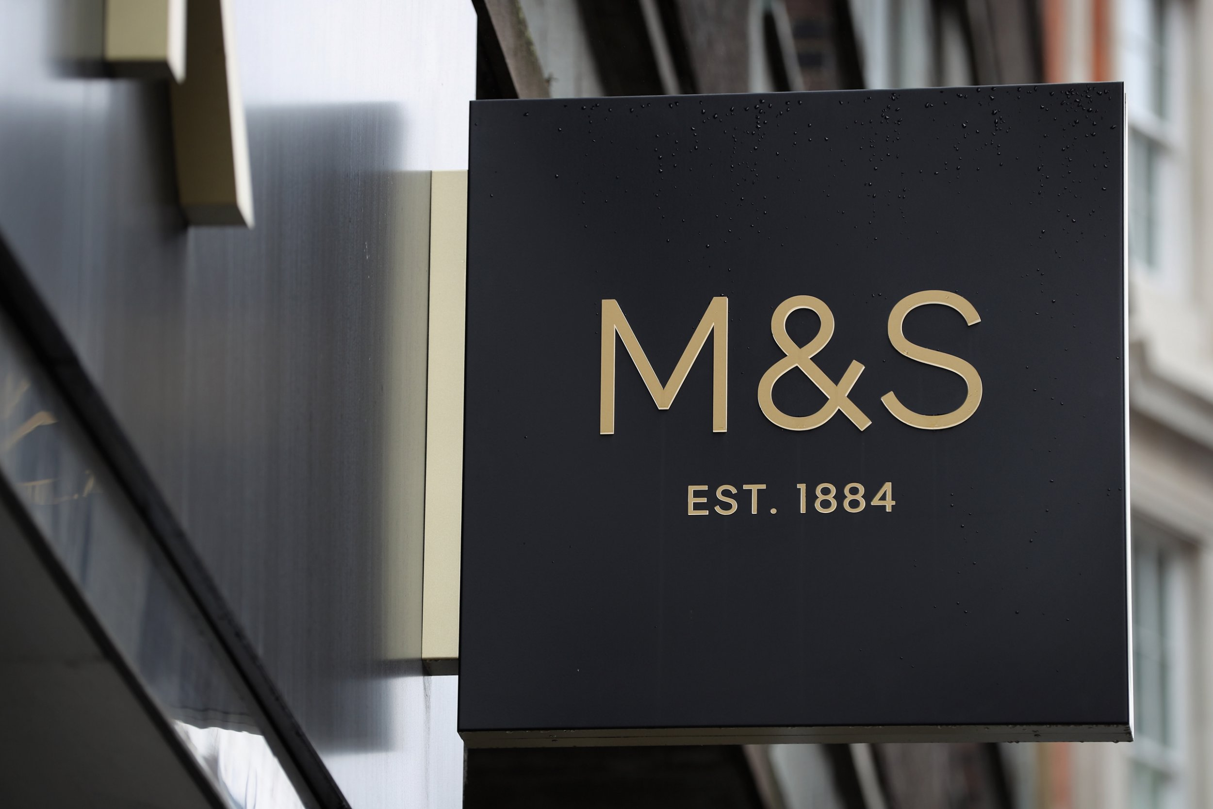 Which Marks & Spencer stores are closing and which ones have already closed?