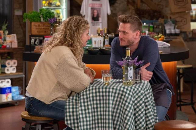 David talks with Maya in Emmerdale