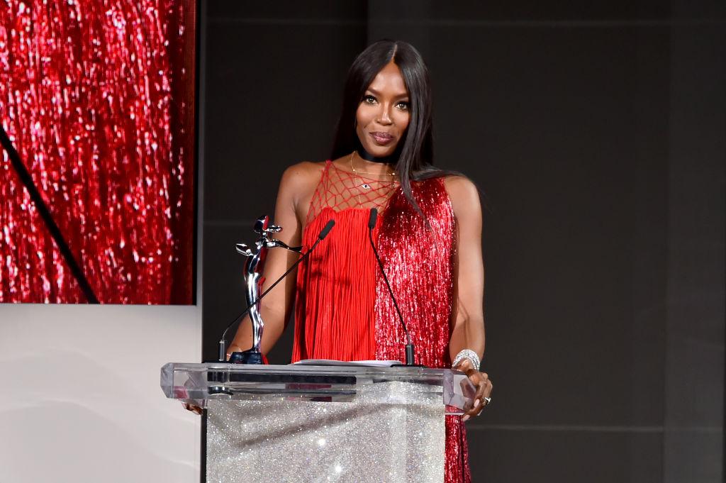Naomi Campbell accepts award at CFDAs