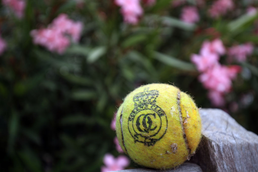 Where is the Queens Club tennis tournament and when is it on TV?