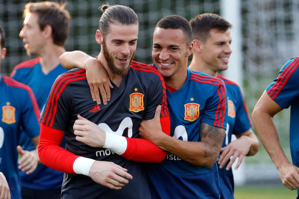 Thiago backs struggling Manchester United star David de Gea as Spain World Cup axe looms