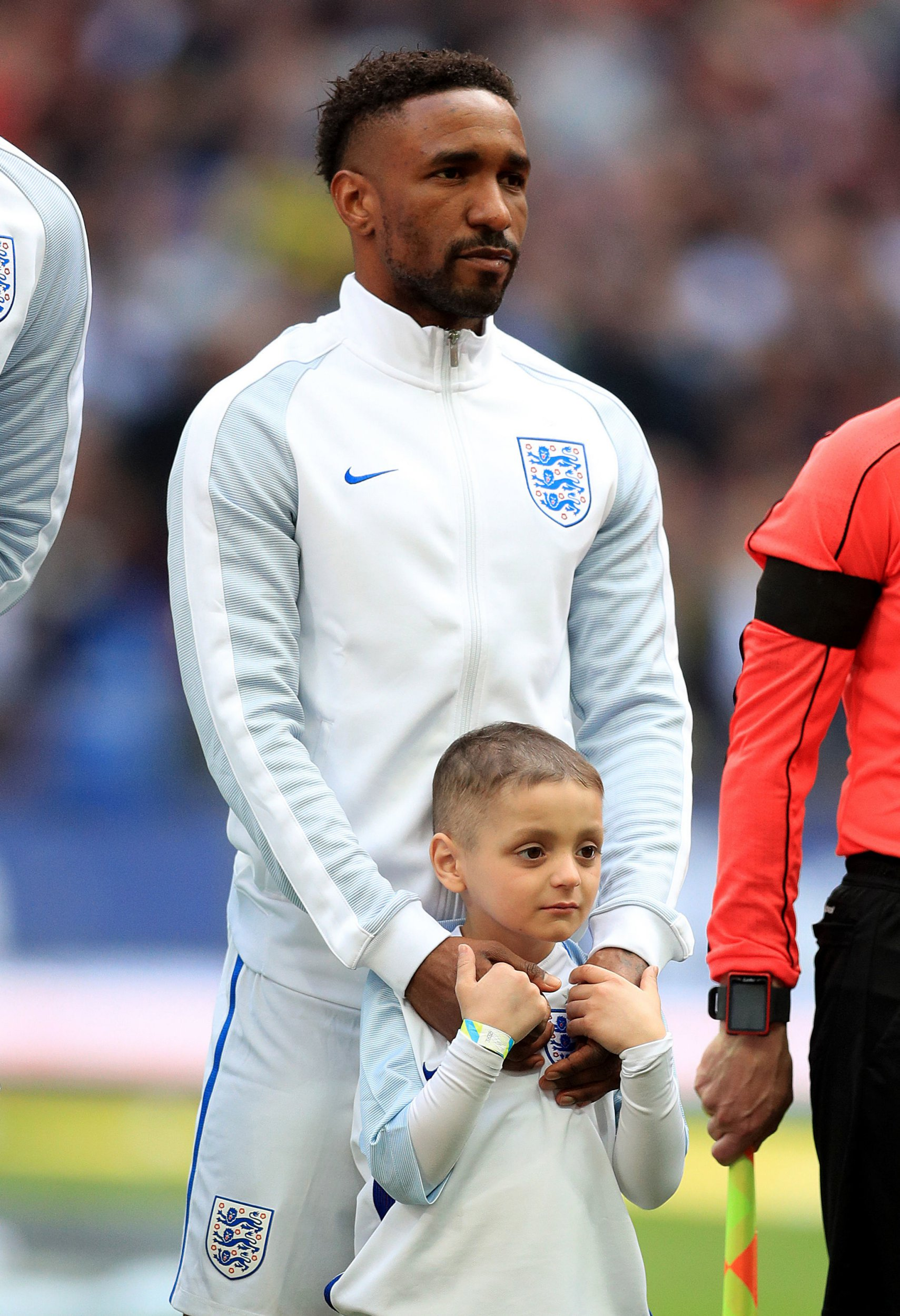 File photo dated 26-03-2017 of England's Jermain Defoe with mascot Bradley Lowery during the World Cup Qualifying match against Lithuania PRESS ASSOCIATION Photo. Issue date: Wednesday May 30, 2018. In full-time charge, Southgate called up Jermain Defoe and he scored at Wembley after carrying Bradley Lowery onto the pitch. See PA story SOCCER World Cup All Time XI. Photo credit should read Adam Davy/PA Wire.