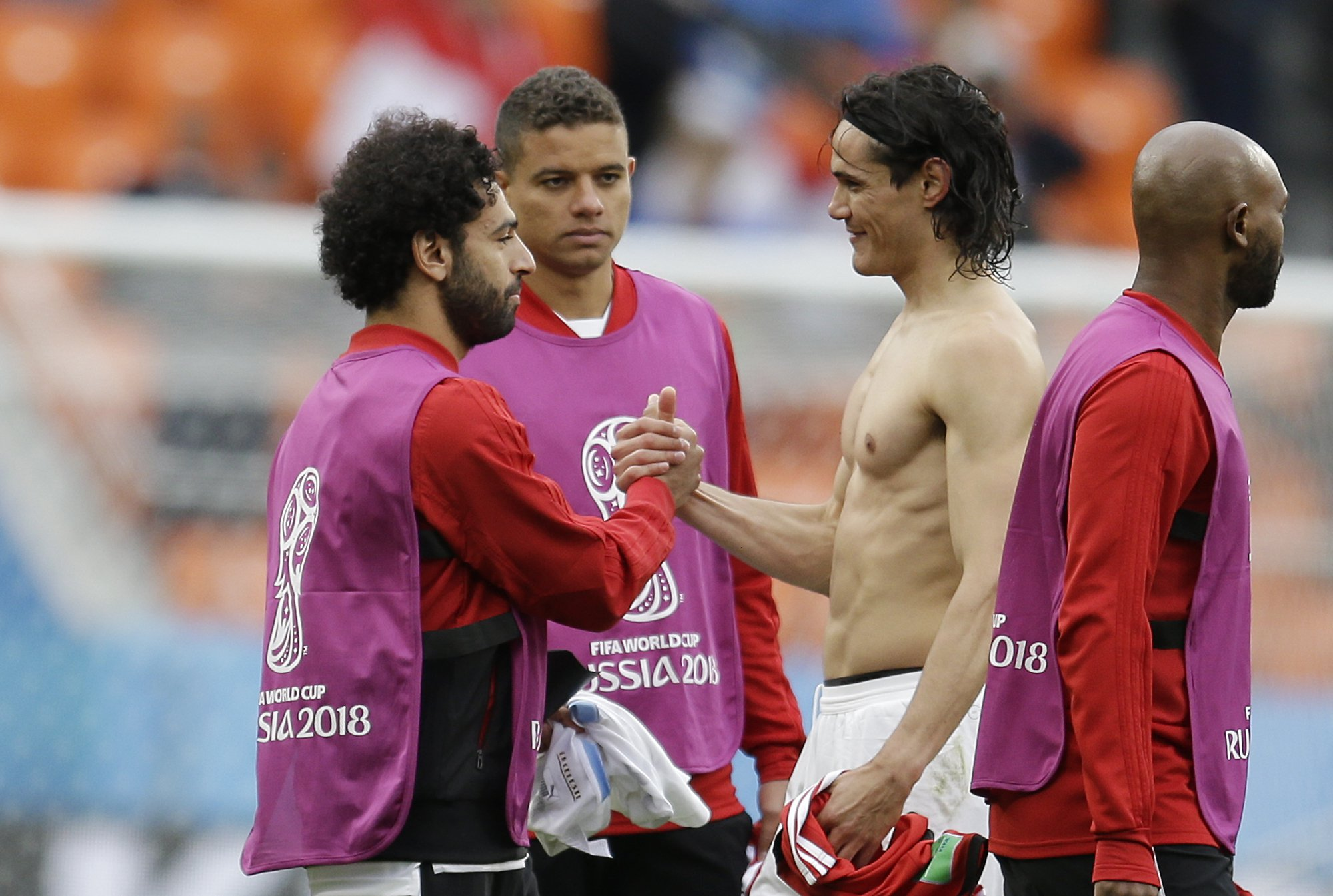 Edinson Cavani reveals his class reason for wanting Mohamed Salah's shirt