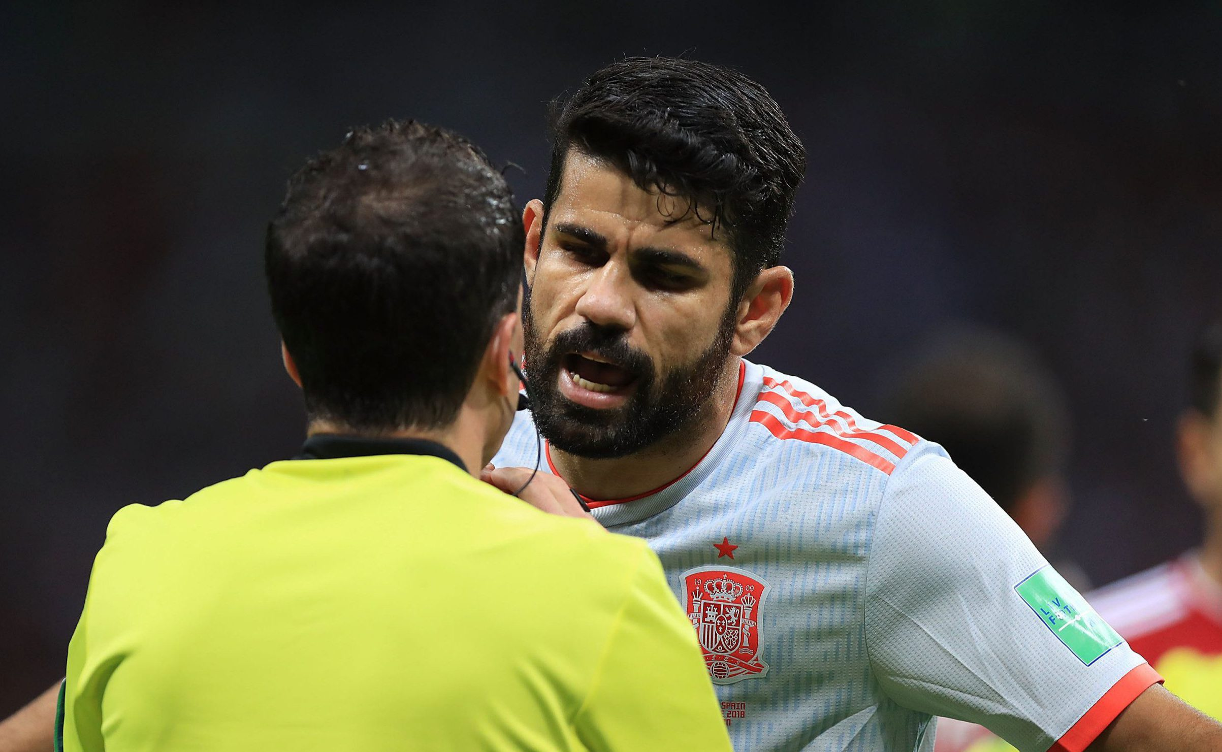 KAZAN, RUSSIA - JUNE 20: Diego Costa of Spain speeks with referee during the 2018 FIFA World Cup Russia group B match between Iran and Spain at Kazan Arena on June 20, 2018 in Kazan, Russia. (Photo by Amin Mohammad Jamali/Getty Images)
