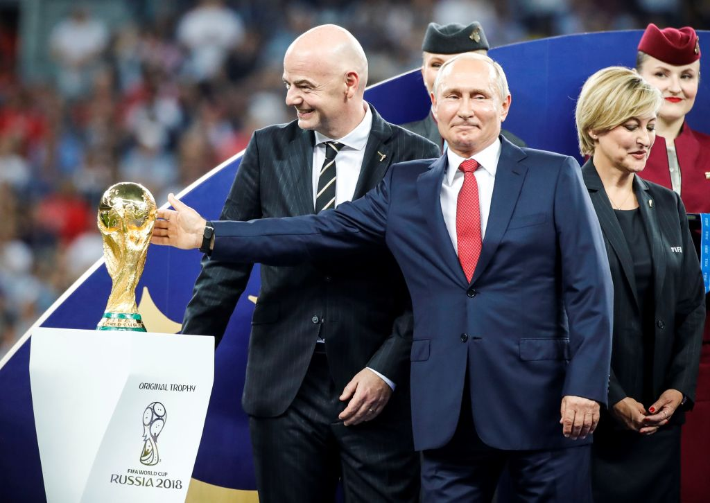 People think Vladimir Putin got FIFA official to steal World Cup medal for him