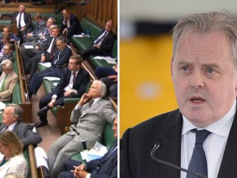Defence minister resigns as crucial Brexit vote clears Commons