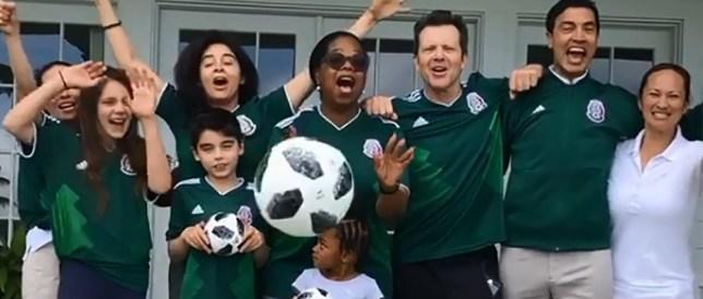 oprah stans the mexican national team METRO GRAB taken from: https://www.instagram.com/p/BktAYQRg7Ys/?hl=en&taken-by=oprah Credit: Oprah/Instagram