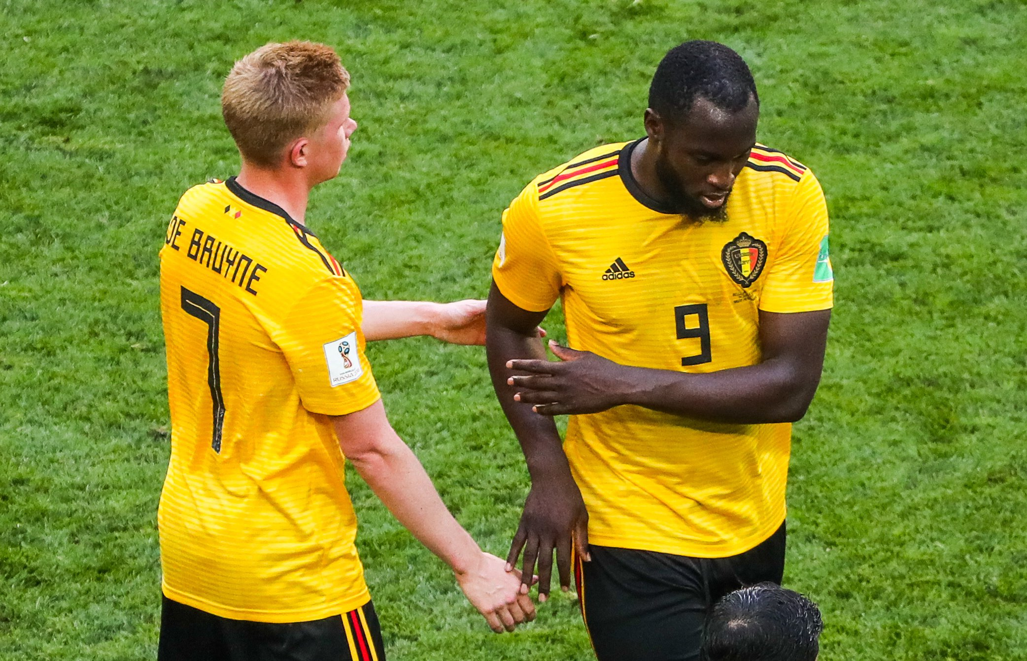 ST PETERSBURG, RUSSIA - JULY 14, 2018: Belgium's Kevin De Bruyne (L) and Romelu Lukaku in the 2018 FIFA World Cup Play-off for third place match against England at St Petersburg Stadium. Alexander Demianchuk/TASS (Photo by Alexander Demianchuk\TASS via Getty Images)